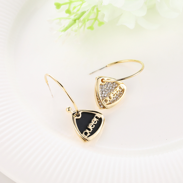 WYBU Black Color Triangle Queen Trendy Hoop Earring For Women Gold Plated Fashion Letter Pendant Drop Earring Triang Ear Jewelry