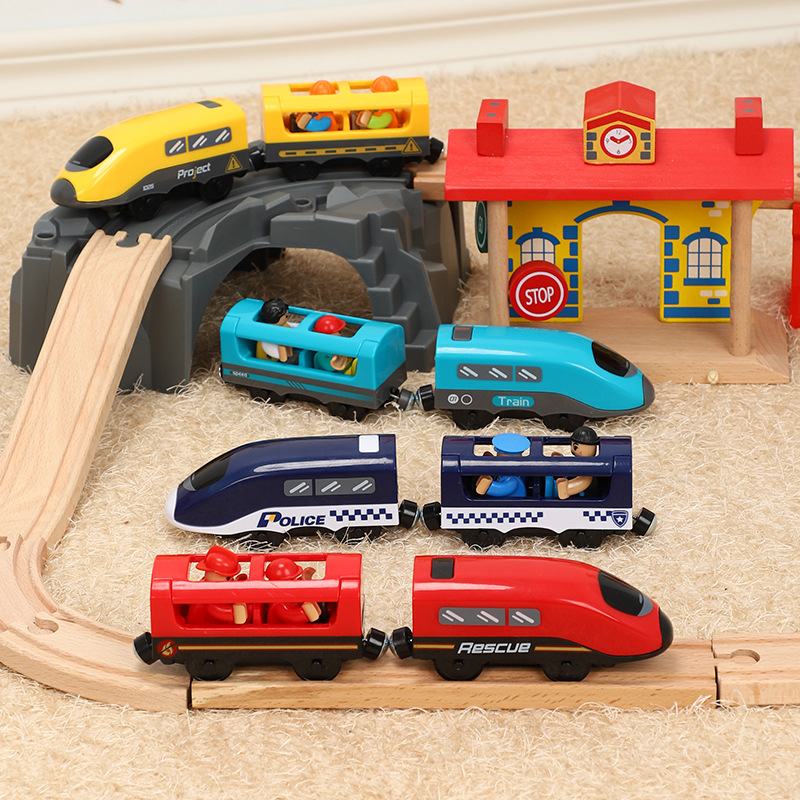 Voice Broadcast Vocal Magnetic Slot Diecast Electric Train With Compatible Wooden Railway Track Train Children Educational Toys