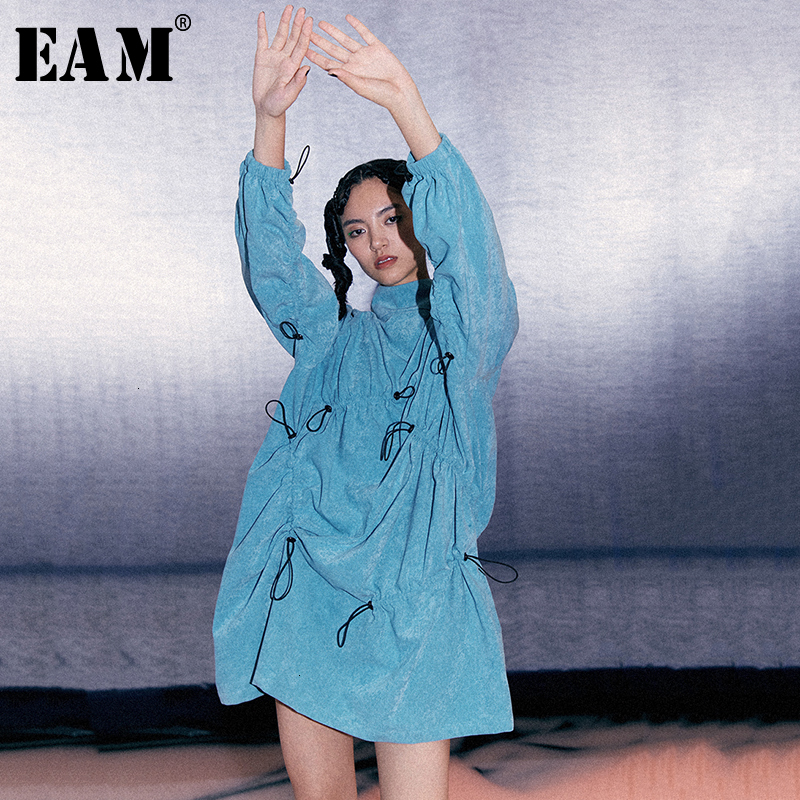 [EAM] Women Blue Drawstring Pleaed Big Size Dress New Stand Collar Long Sleeve Loose Fit Fashion Tide Spring Autumn 2020 1D490