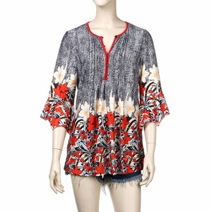 Image 5 - Women Blouse Three Quarter Sleeve Floral Print Causal Loose Tunic Women Blouse Shirts 2019 Fashion Plus Size Women Clothing 5XL
