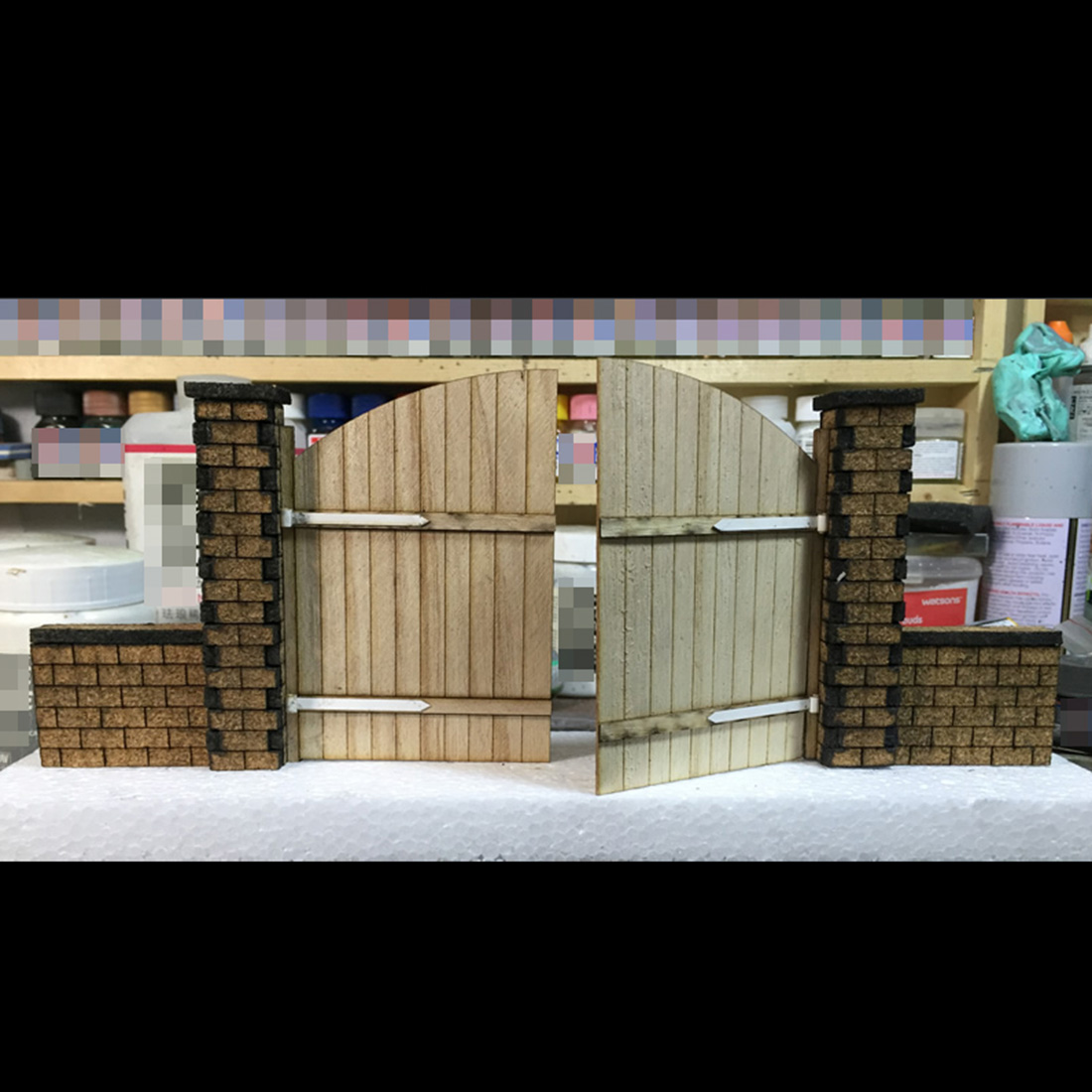 1/35 Sand Table Platform Scene Assembly Military Building Model Decor - European Wooden Door Model Building Kits