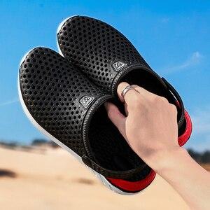 Image 3 - 2020 nuevas sandalias calzado con agujeros unisex zapatillas agujero calzado para jardín Crocse Adulto Cholas Hombre sandalias