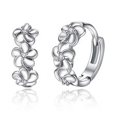 Korean Fashion Earrings Ladies Jewelry Alice Ear Buckle Female Models Simple Flowers Three Plum Gifts Wholesale