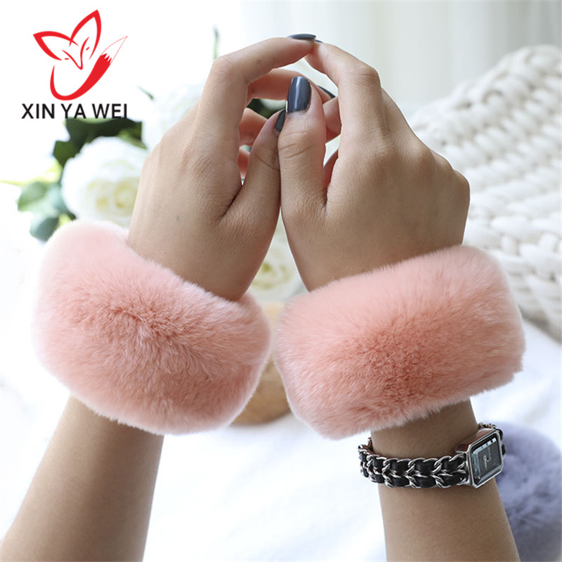 A Pair Of Rex Rabbit Fur Plush Trench Coat Cuff Bracelet Winter Arm Warm Women Thick Wrist Arm Gloves Female Elastic Sleeves