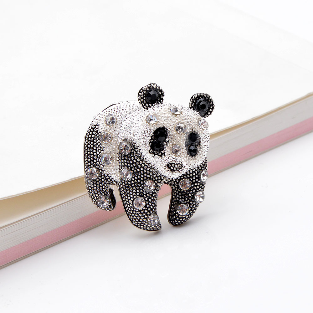 CINDY XIANG Black And White Color Panda Brooch Unisex Fashion Animal Design Brooch Rhinestone Jewelry High Quality New 2021 4