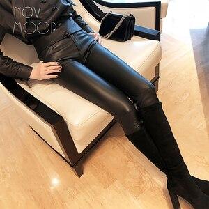 Image 2 - אמריקאי הולם סגנון נשים החורף שחור בינוני מותניים כבש אמיתי עור למתוח מכנסי עיפרון pantalon femme LT2972
