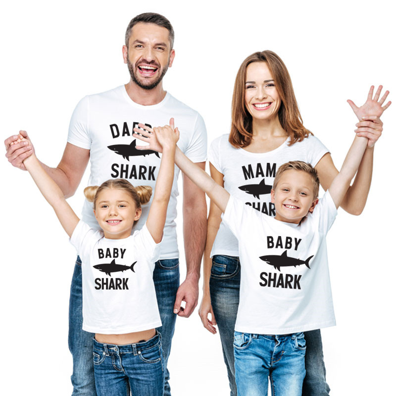 Summer Shark Family Matching Clothes T Shirt Mother Son Dad Girl T Shirts Kids Baby Girl Boys Romper T Shirt Outfits QT-1934