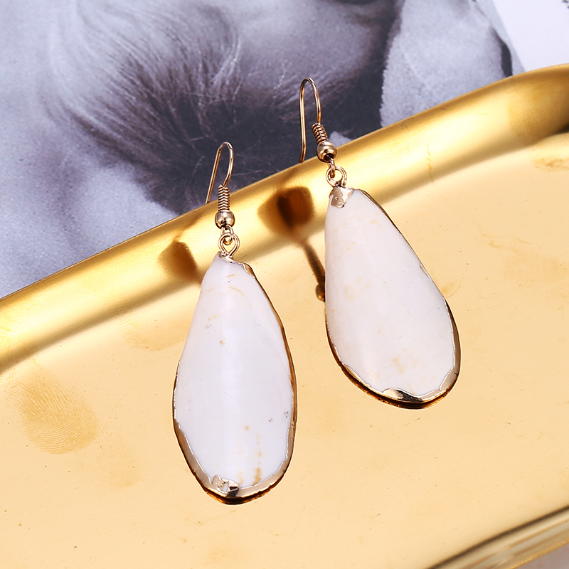 Hot Sale White Long Shell Drop Earrings For Women Bohemia Statement Pearl Dangle Earring Wedding Beach Bikini Jewelry 2019 in Drop Earrings from Jewelry Accessories