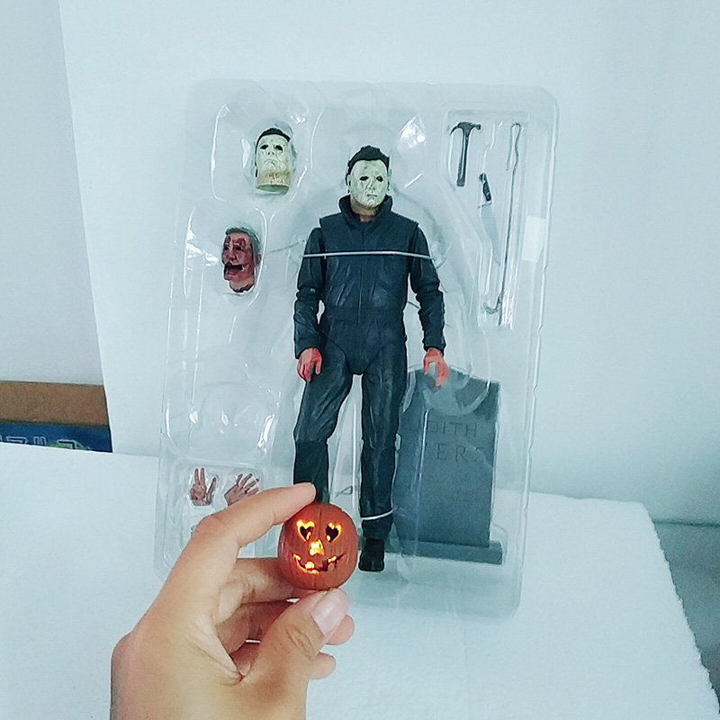 18cm Original NECA Ultimate Michael Myers Pumpkin With Led Light Halloween  Action Figure Model For Kids Halloween Gift