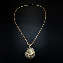 NJ Gorgeous Crystal Drop-shaped  Woman Necklace Golden Hollow Ladies Pendant Female Jewelry For Anniversary Gift