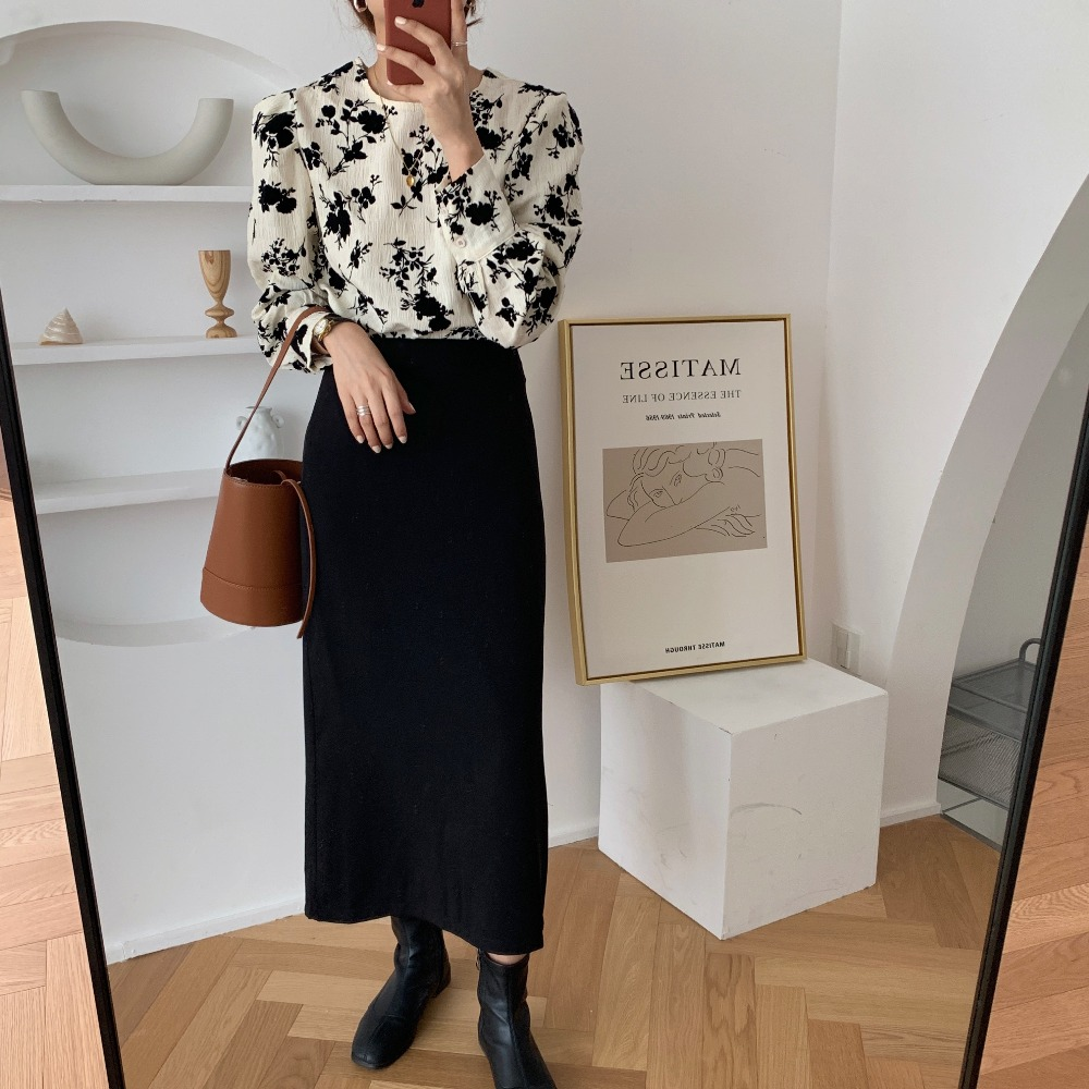 H67540f53e2a1486b99e852caca0338f1C - Spring / Autumn Korean O-Neck Long Sleeves Two-Button Cuffs Floral Print Blouse