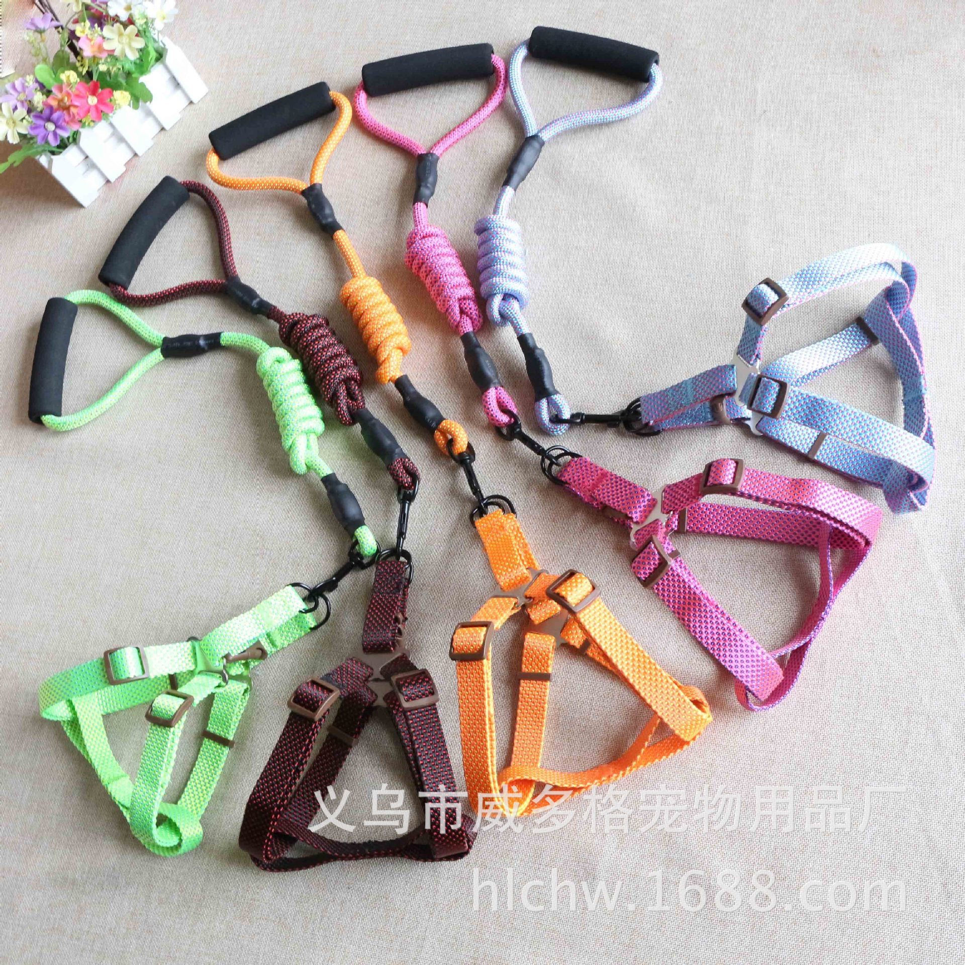 Sleeves Pet Supplies Wholesale New Style Dog Hand Holding Rope Nylon Hand Guard Round Rope Foam Handle Pet Traction Rope