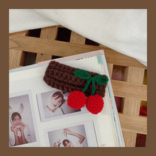 Sweet cherry clip headdress hair clip hand-woven fruit edge clip duckbill clip cute wool hairpin hairpin lace entry tutorial crochet hairpin pattern style pattern daquan hand knitted practical stitch technique woven books