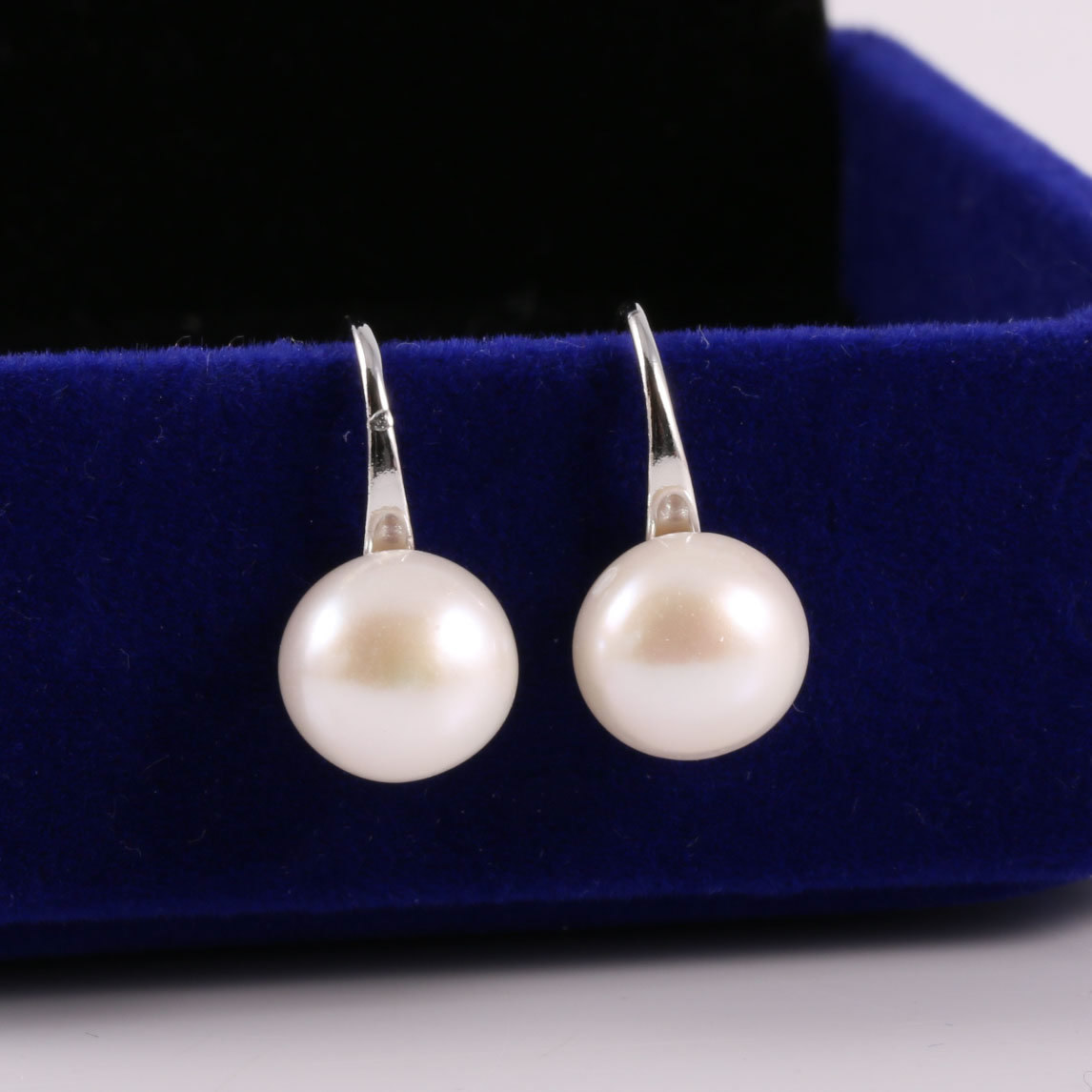 2019 New Women Pearl Ear Nails Stud Earrings Round Nature Freshwater Pearl Earring for DIY Jewelry Size8 9mm in Stud Earrings from Jewelry Accessories