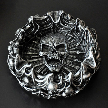 European Creative Personality Flame Skull Ashtray Boys Birthday Gift Home Living Room Bar Decorations Business Gifts M2509