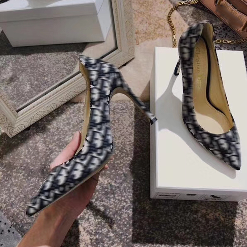 Marque de luxe Designer Logo femmes bout pointu en cuir talons hauts talon mince chaussures de bureau peu profondes broderie femmes chaussures Sexy
