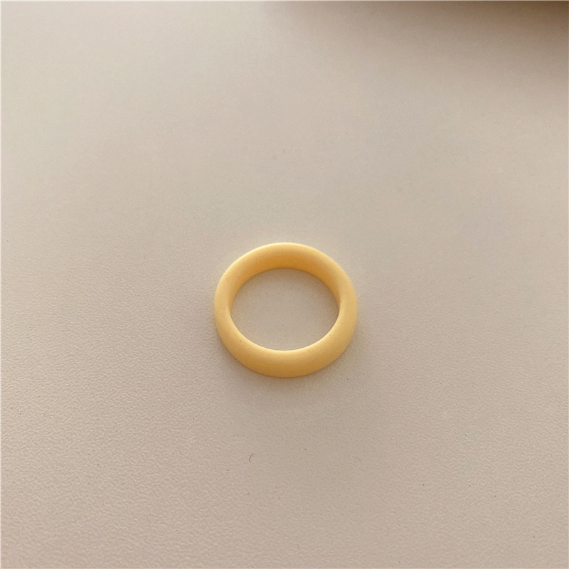Beige circle-13
