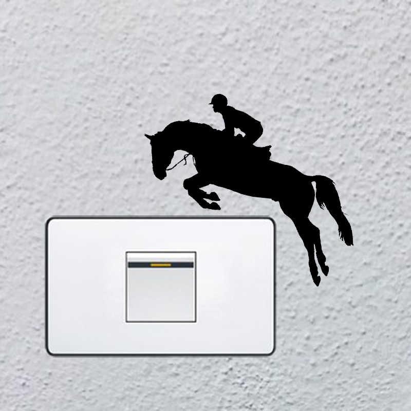 Cavallo Salto Sport Camera Da Letto Autoadesivi Della Parete Del Vinile Luce Siwtch Decalcomania 6SS0045