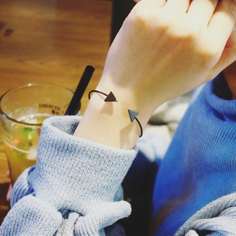 Drop-Shipping-Arrow-Open-Bracelets-Gold-Silver-Black-Triangle-Geometric-Bangle-Bracelets-for-Women-Simple-Korean (4)