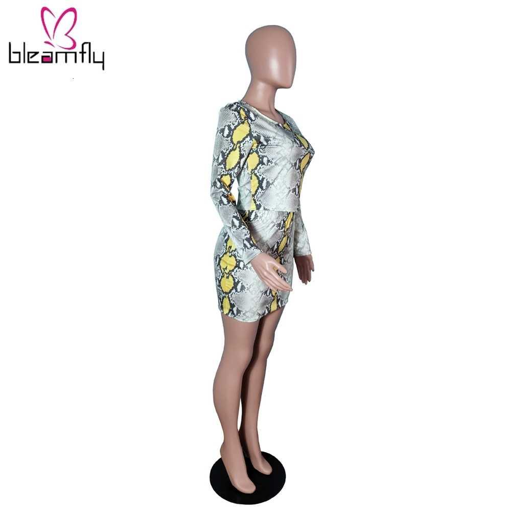 Nadruk z wężem seksowny Bodycon dwuczęściowy zestaw O Neck z długim rękawem krótki top i Mini spódniczka 2 częściowe stroje klubowe damskie dresy