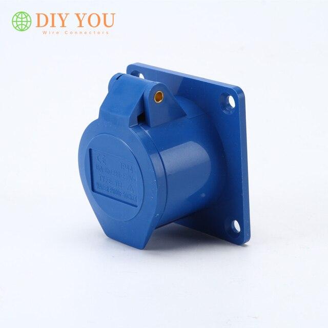 240V IP67 32A Blue 2P+E Pro Power PEW3263SVA Plug