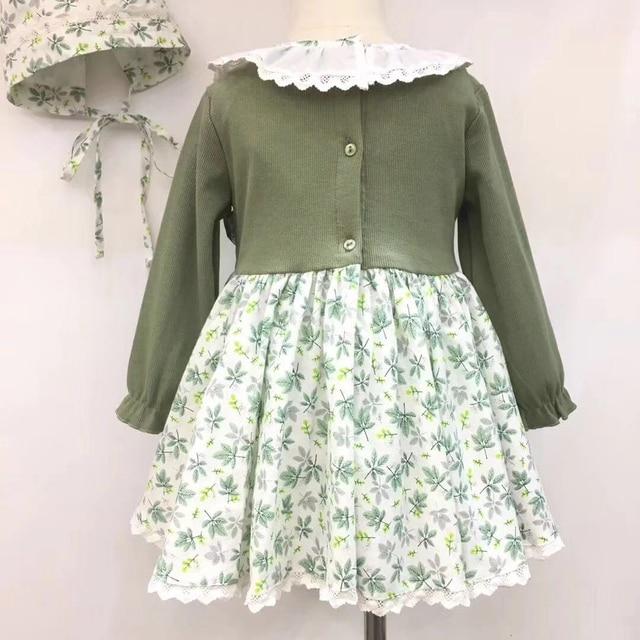Vestido floreado con capota 1