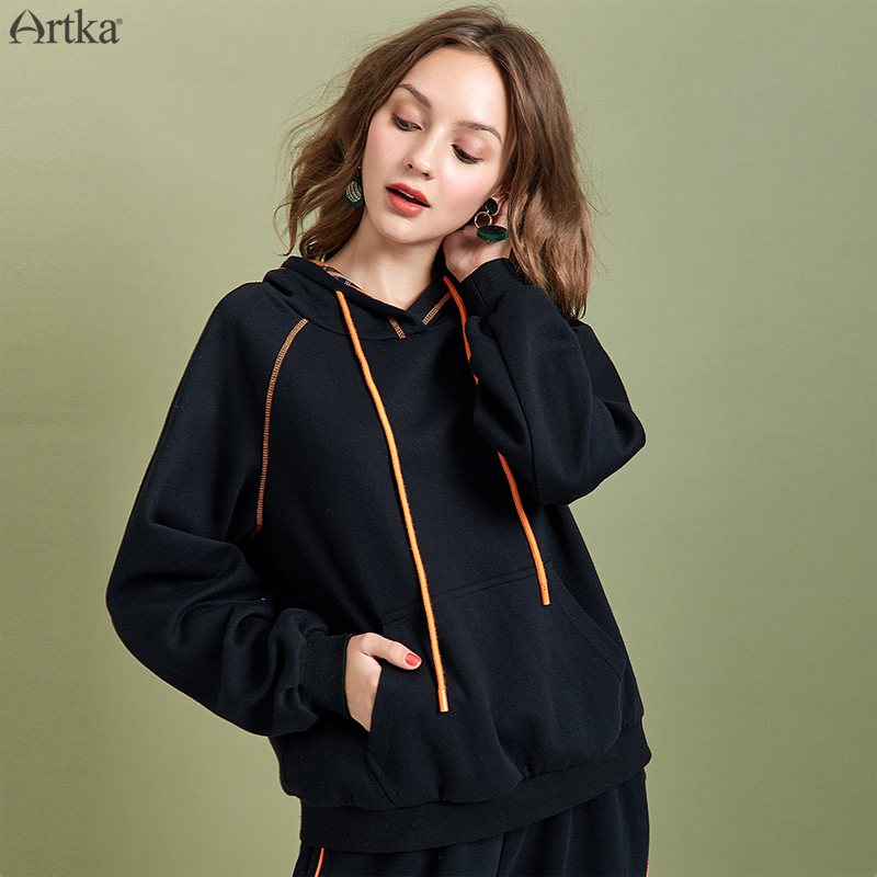 ARTKA 2019 Autumn Winter New Women Hoodies Fashion Black Simple Sweatshirt Loose Casual Pullover Hooded Sweatshirt VA10590Q