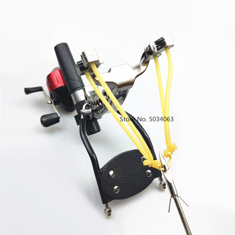 Shooting powerful fishing compound bow catching fish high speed hunting 3
