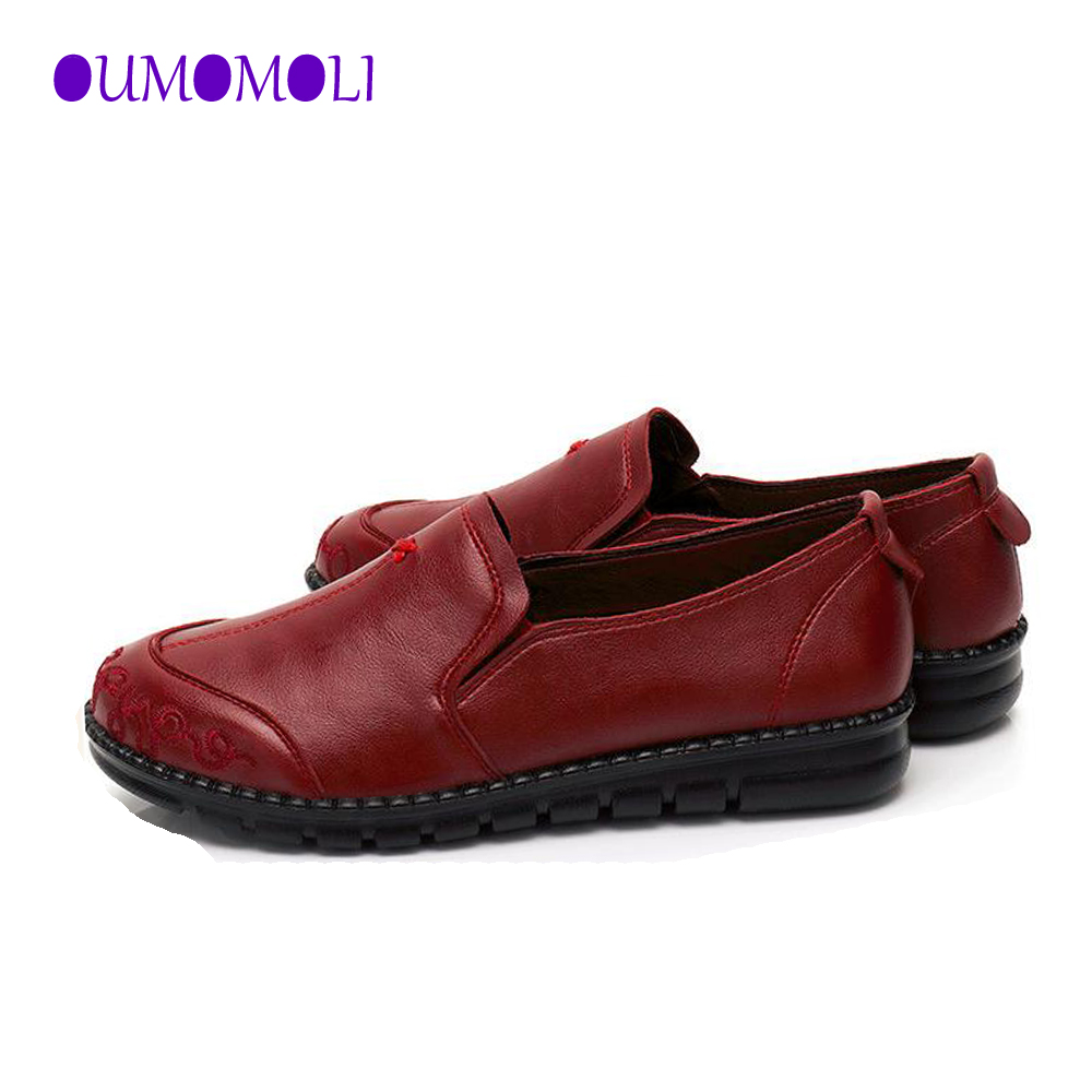 2020 New Women Flat Shoes Leather Casual Red Black Brown Wedge With Soft Bottom Slip On Heart Comfortable Mom Work Shoes Q024
