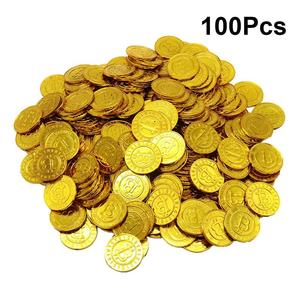 100pcs Pirates Gold Coins Plastic Currency Toy Game Props Chips Playset Party Favor Bitcoin for Kids (Golden)