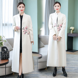 Fall and Winter 2019 New Chinese Retro Collar Embroidery Overcoat over Knee Medium-length Fabric Overcoat White coat