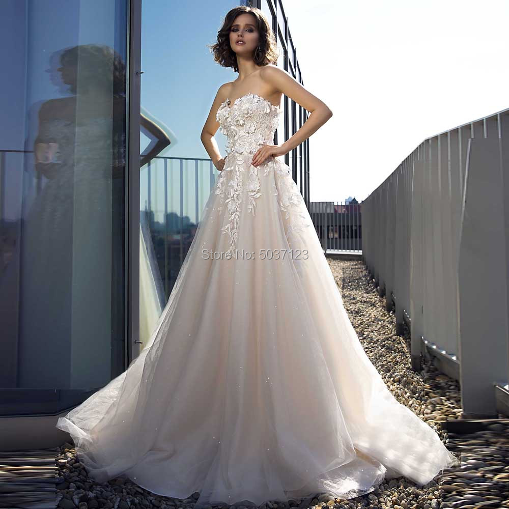 A Line Wedding Dresses Sweetheart Sleeveless Lace Appliques Lace Up Bridal Gowns Sweep Train Vestido De Noiva