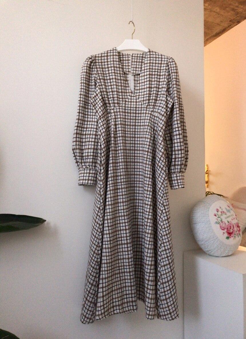 H680bdffd55ba4301abf8a8d2359ef7bcI - Autumn V-Neck Puff Sleeves Slim Plaid Midi Dress