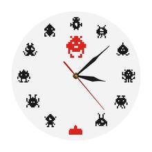 Clásico Vintage juego Space Alien Invader habitación de los niños decoración de pared reloj imagen de píxel Invader Robot Arcade juegos Pared de habitación reloj de arte
