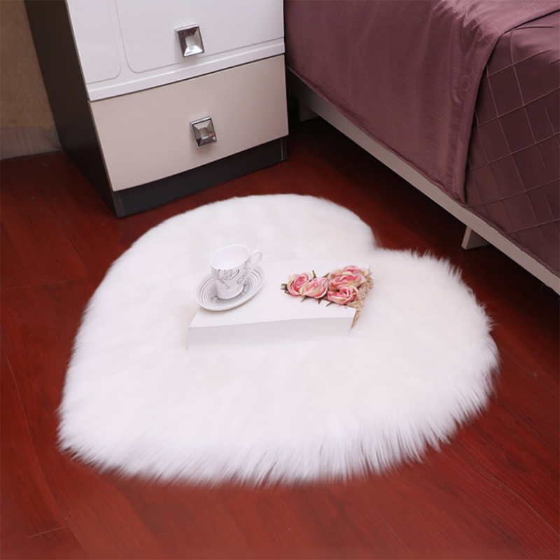 Heart-Shaped Long Hair Solid Carpet Soft Faux Fur Wool Living Room Decor Fluffy Bedroom Mat Pad White Anti-Slip Rugs Bedside Rug