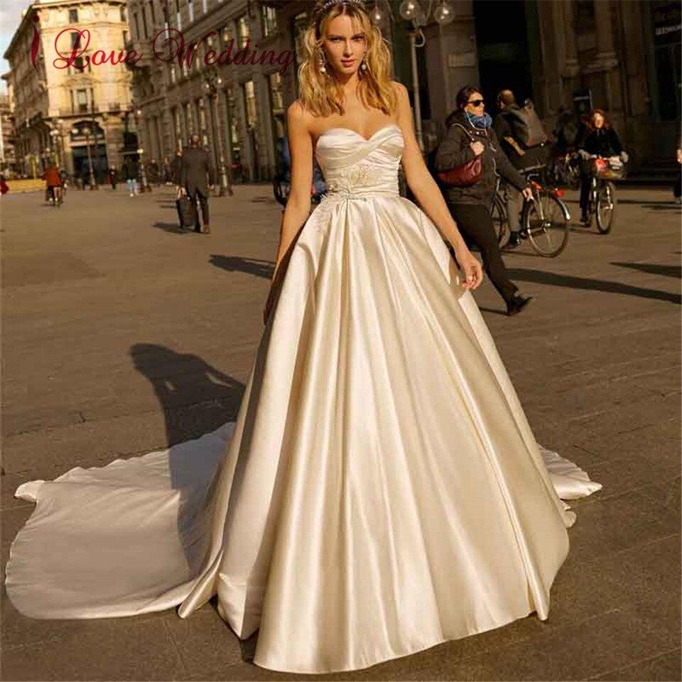Sweetheart Princess Satin Wedding Dress 2020 New Court Train Backless Custom Made Elegant Vintage Wedding Gowns Vestido De Novia