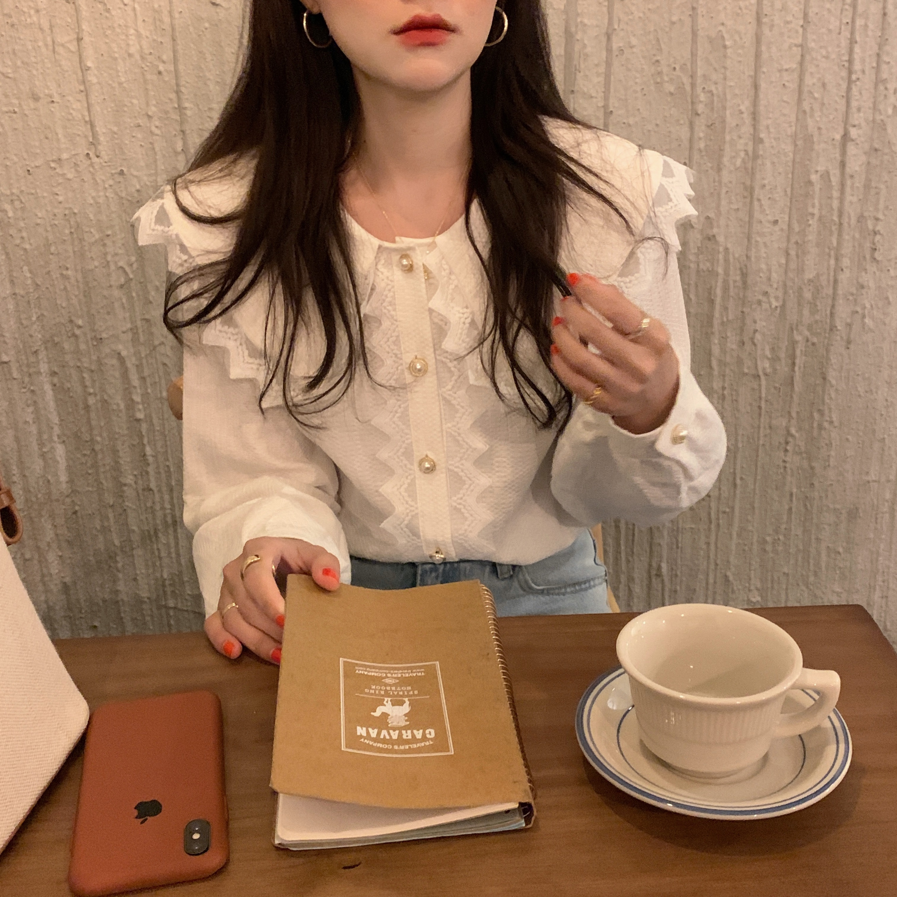 H681d24bfce914d2fab9bdae328d373f3A - Spring / Autumn Big Lapel Collar Long Sleeves Lace Buttons Solid Blouse