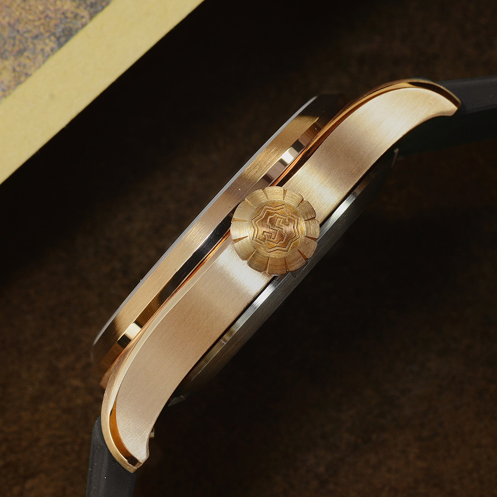 Image 2 - San Martin Diver Retro Tin Bronze Men Automatic Mechanical Watch Fluoro Rubber Sapphire See through Case Back LuminousSports Watches   -