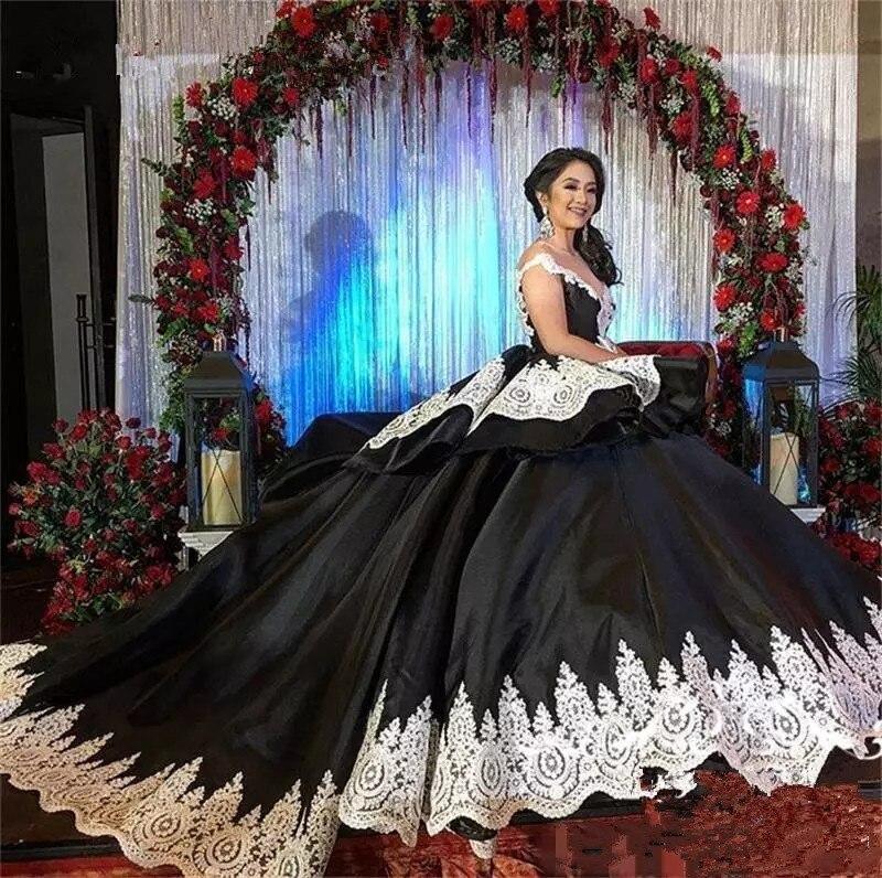 Robe de mariage Luxury Ball Gown Gothic Black Wedding Dresses 2020 Vestido de noiva 3Scoop Appliques Lace Bridal Gowns