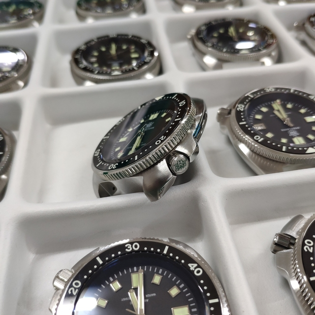 SD1970 Steeldive Brand 44MM Men NH35 Dive Watch with Ceramic Bezel 3