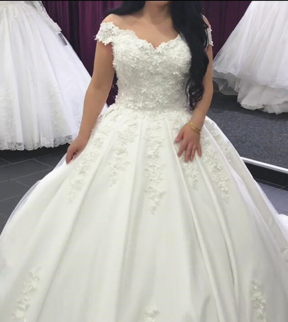 Beaded Crystal White Ivory Satin Lace Puffy Ball Gown Wedding Dress Vestidos De Novia Floor Length Women Bridal Gown HC46