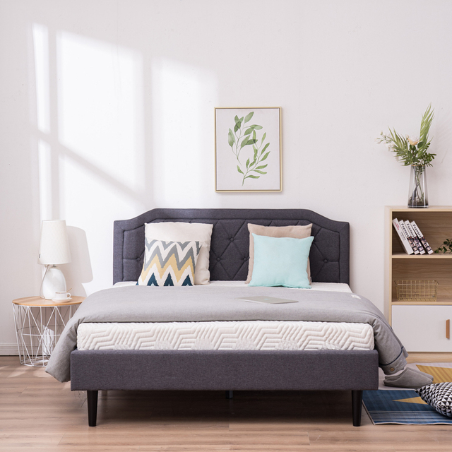 Upholstered Bed with Diamond Buckle Decoration 4