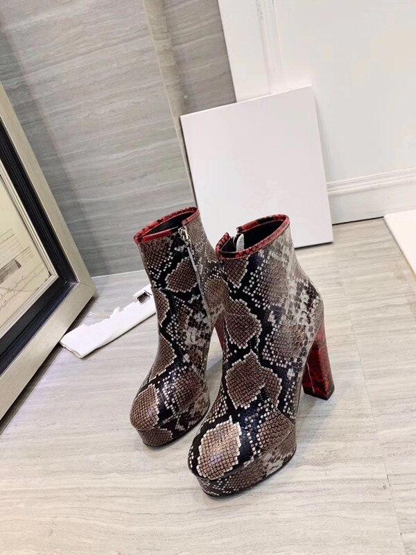Модные ботинки ботильоны на высоком каблуке с острым носком ботинки с принтом змеи г. Зимняя женская обувь на блочном каблуке черные ботинки в стиле панк