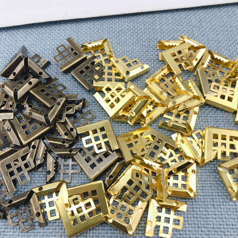 50pc Retro Metal Protectors Angle Bronze Corner Brackets Notebook Framing For Books Folders Scrapbooking Decor Crafts Hardware