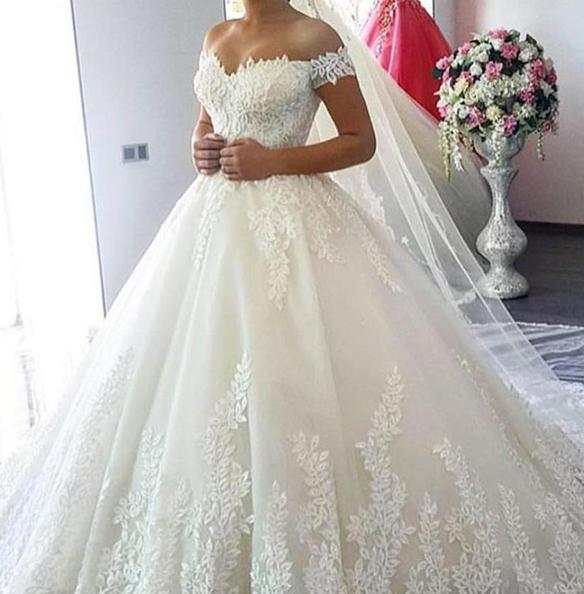 2020 Luxury Lace Boat Neck Ball Gown Wedding Dresses Sweetheart