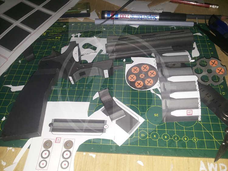 1:1 Scale 29cm Revolver Python Gun 3D Paper Model DIY