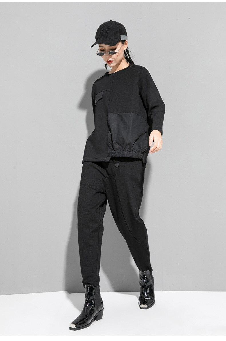 [EAM] Women Black Asymmetrical Button Split Big Size T-shirt New Round Neck Long Sleeve  Fashion Tide Spring Autumn 2020 1T542 5