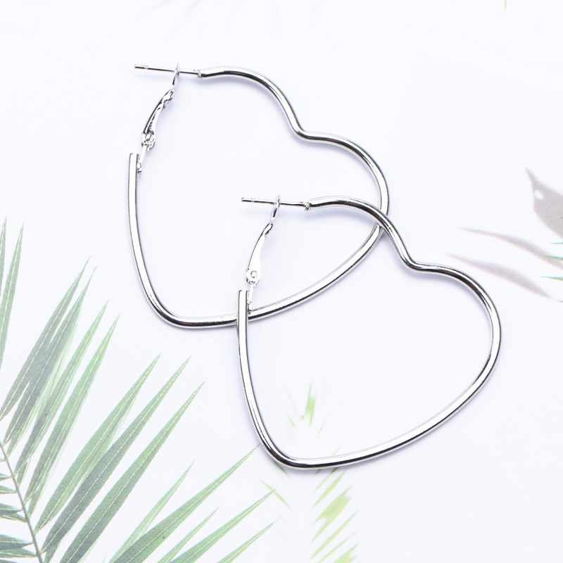 2019 New Fashion Hollow Peach Heart Earring Metal Plating Ornaments Simple Dangle Earrings For Women Copper Brincos Jewelry
