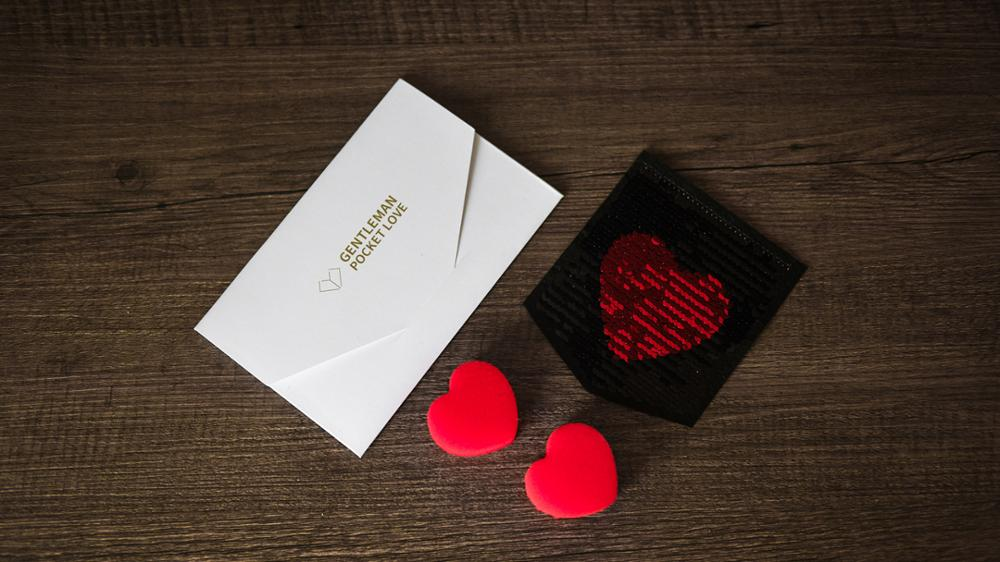 Free Shipping Gentleman Pocket Love/Take My Heart Magic Tricks Magic Props Gimmick,mentalism,close Up Street Magic
