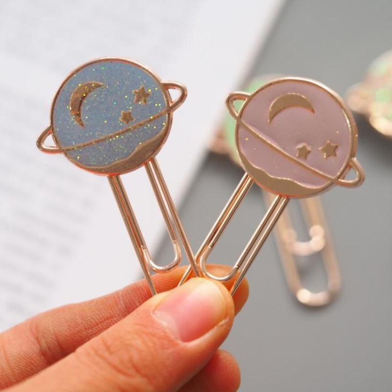 1 Pcs Lovely Planet Starry Sky Moon Star Metal Bookmarks Page Holder Paper Clip Promotional Gift Stationery School Office Supply